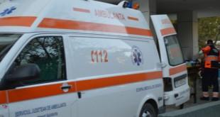 Un tânăr, în stare critică la spital, după ce a fost înjunghiat de cumnat