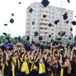 absolventi1