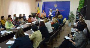 Inspectorii școlari vasluieni, formatori la Chișinău