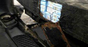 Mazda izolată termic cu țigări de contrabandă