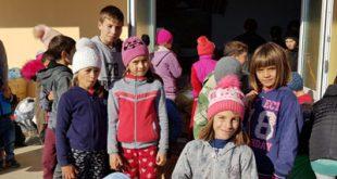Copiii din Valea Grecului sprijiniți de PS Ignatie