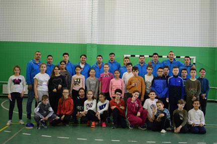 Handbaliștii de la CSM Vaslui au participat la ora de joacă