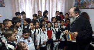 PS Ignatie, în mijlocul copiilor de la Complexul de Servicii Comunitare Bârlad