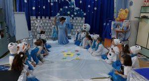 Regatul de gheață, pus în scenă la Grădinița nr.3 Vaslui