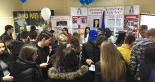 Liceele vasluiene și-au prezentat ofertele la Târgul Educational 2019