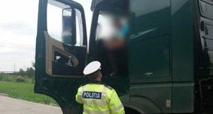 Autovehiculele pentru transportul persoanelor sau mărfurilor vor fi oprite pentru control