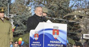 Dumitru Buzatu, huiduit de Ziua României!