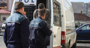 Un vasluian a ajuns în arestul poliției, după ce a dat foc la locuința tatălui vitreg