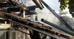 O casă din Văleni a fost cuprinsă de flăcări! Nu au fost victime!