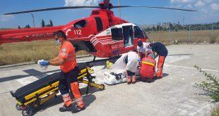 Grav accident rutier pe strada Traian. Trei persoane au ajuns la spital, din care una a fost transferată la Iași.