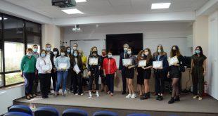 Elevii de 10 ai județului, recompensați de ISJ cu diplome și premii în bani