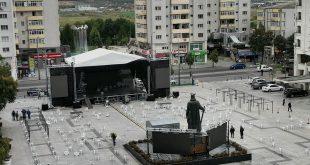 """Începe ediția jubileu a Festivalului Umorului """"Constantin Tănase""""! Spectacolele de teatru vor fi în aer liber!"""
