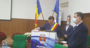 Primarul Vasile Pavăl a depus jurământul!