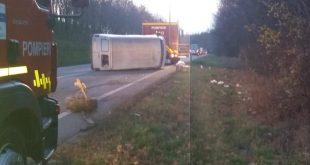 Accident spectaculos lângă Mărul de Aur! Două mașini răsturnate pe DN24!