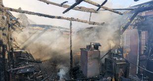 Atelier de tâmplărie din Bârlad, cuprins de flăcări