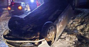 O familie a ajuns la spital după ce s-a răsturnat cu mașina pe Drumul European