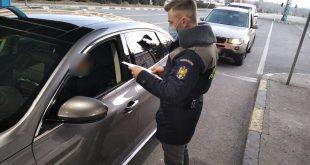 La volan, deşi avea dreptul de a conduce suspendat